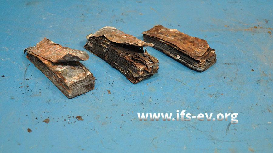 Die Lithium-Akkuzellen aus einem verbrannten MPB150.