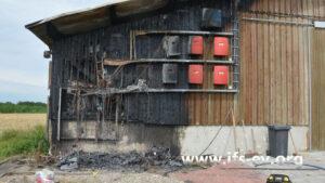 Im Brandbereich waren die Wechselrichter und die Elektroverteilung einer PV-Anlage montiert.