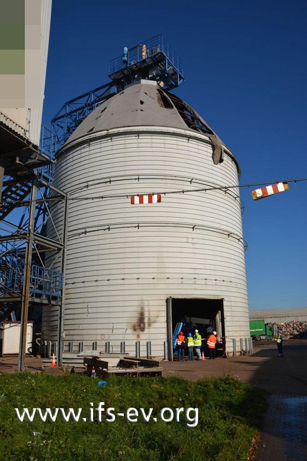 Der etwa 25 Meter hohe Silo