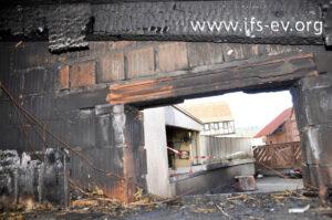 Blick vom Spitzboden des Anbaus auf das Garagendach