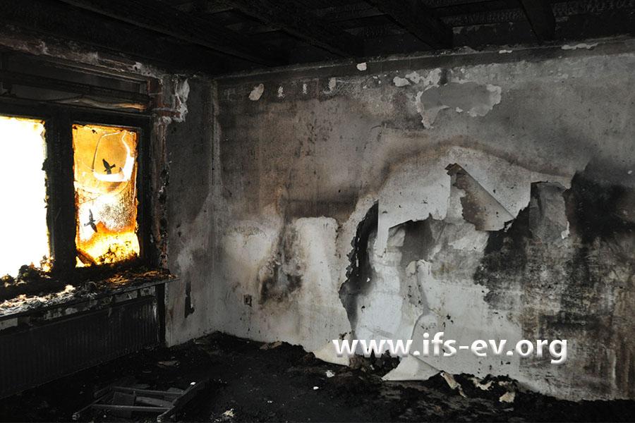 Das Wohnzimmer ist ausgebrannt.