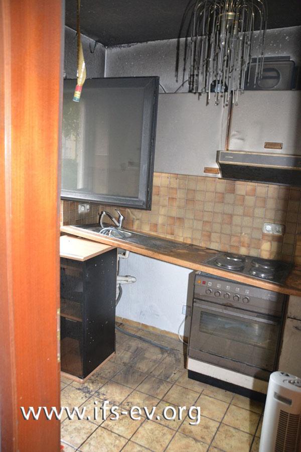 Die Küche wurde verunreinigt, aber es sind keine direkten Brandschäden entstanden.