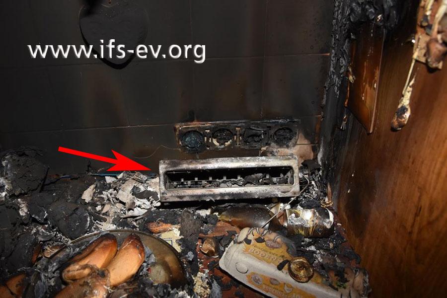 Mitten im Brandschwerpunkt befindet sich ein Toaster.