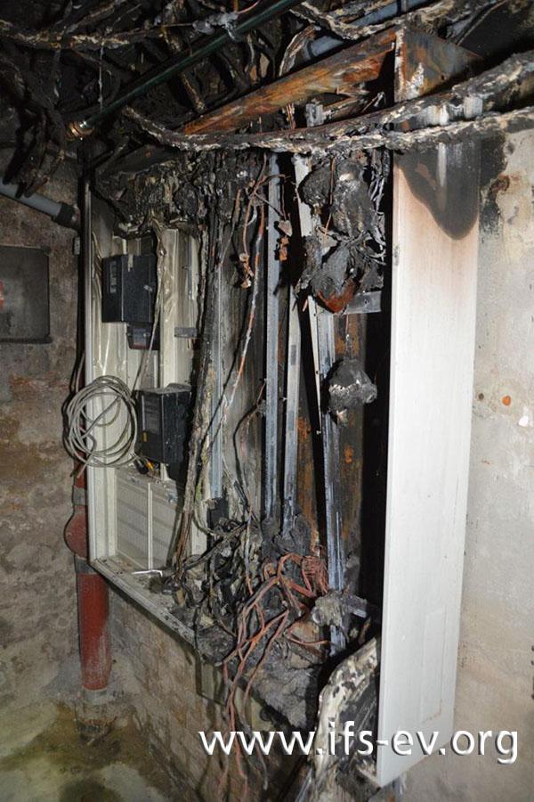 Die direkten Brandschäden sind auf den Schaltschrank im Keller begrenzt.