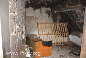 Ein Blick in das Schlafzimmer: In der Ecke hinten rechts hatte das Bett gestanden.