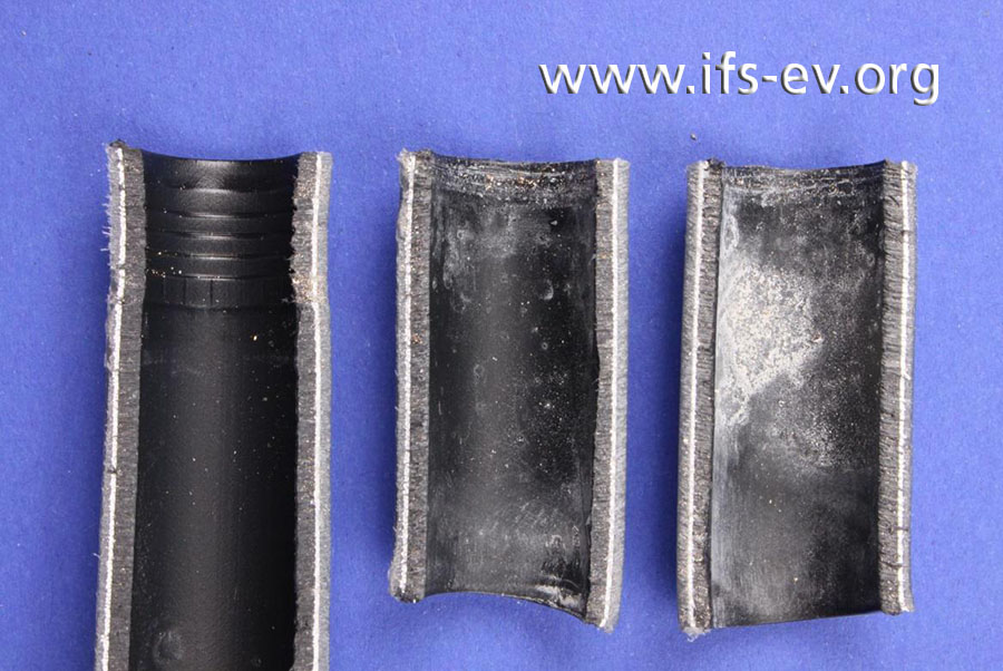 Zum Vergleich sind hier die Innenwand der undichten Verbindung (mitte und rechts) und die einer dichten Verbindung abgebildet.