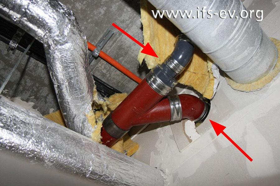 In diesem Teil der Abwasserleitung sind sowohl die roten SML-Rohre als auch die grauen KML-Rohre verbaut.