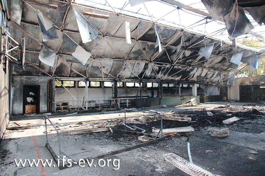Die abgebrannte Sporthalle