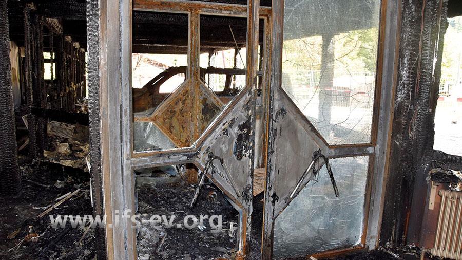 Teile des Schulgebäudes wurden durch das Feuer zerstört.
