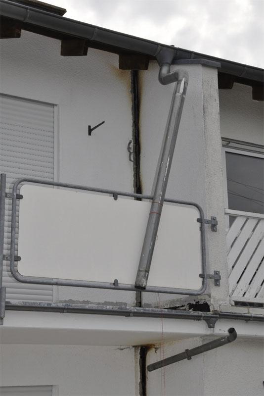 Die Gebäudetrennfuge zwischen den beiden Reihenhäusern