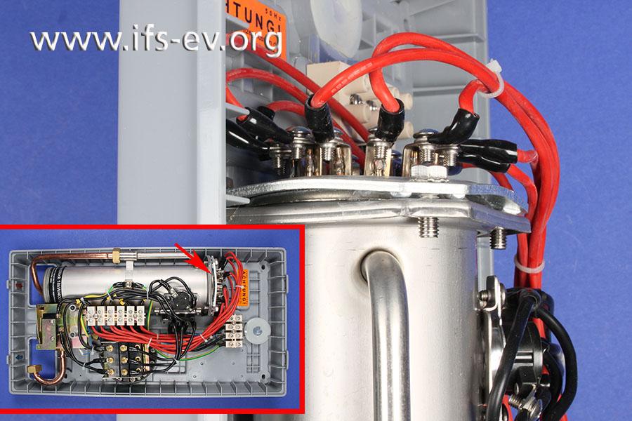 Im Durchlauferhitzer ist die Kopfplatte der Edelstahlpatrone verformt.