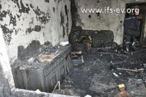 Blick in das zerstörte Wohnzimmer