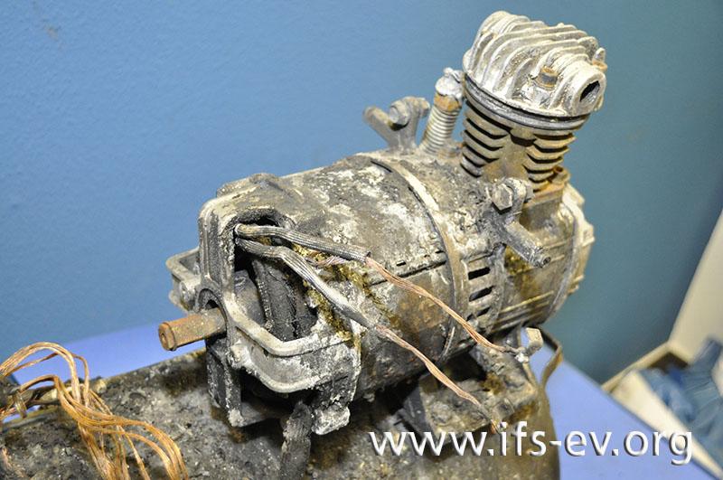 Intensive Brandschäden und thermische Schäden am Kompressormotor