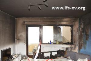 Direkte Brandschäden gab es ausschließlich im Wohnzimmer.