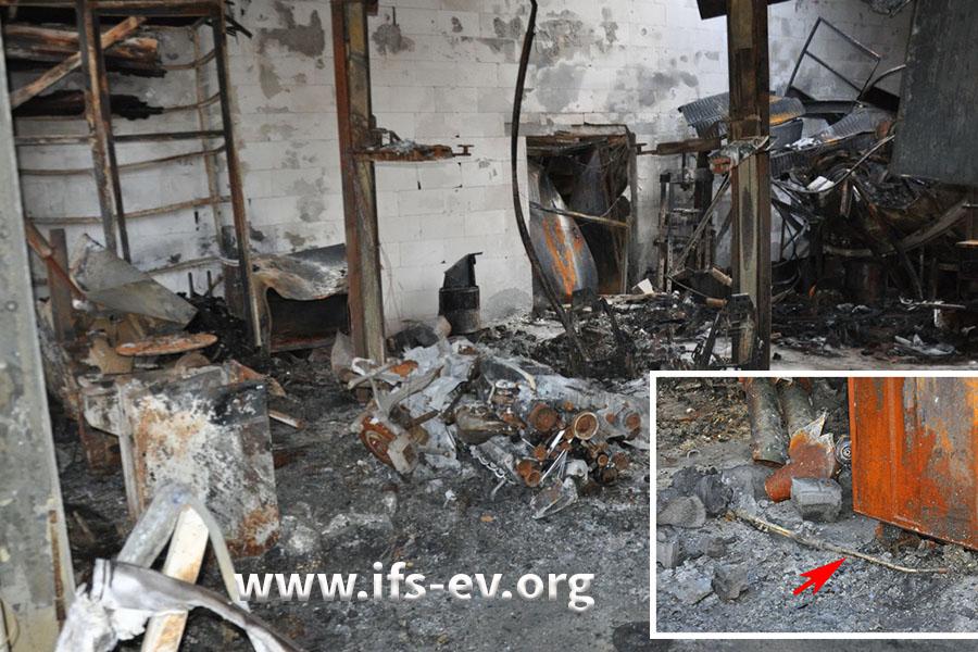Blick in die zerstörte Werkstatt; im Brandschutt liegt der Handbrenner eines Schweißgerätes (kleines Bild, Pfeil).