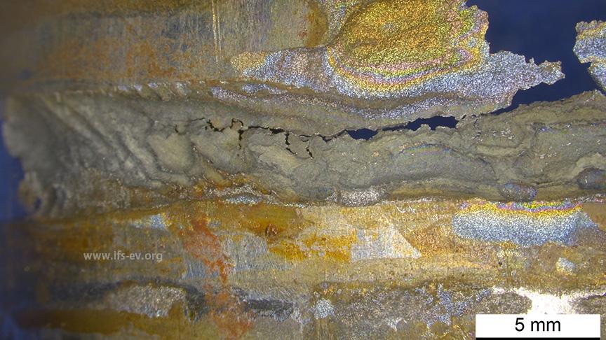 Mikroskopische Detailaufnahme des Materialabtrages